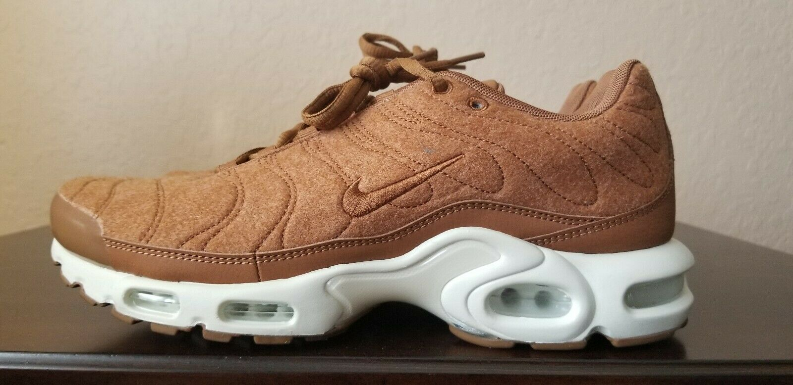 Nike Air Max Plus TN Running Quilted Brown Ale Wheat 806262-200 Men's Sz. 9.5