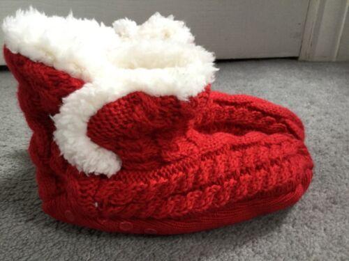 UK 8.5-12 M/&S KIDS SLIPPER SOCKS IN RED WITH CREAM FAUX FUR INTERIOR BNWT