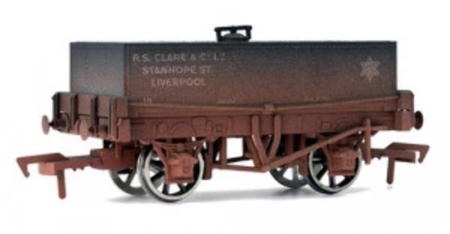 Dapol 4F-032-010 OO Gauge Rectangular Tank Clare Liverpool