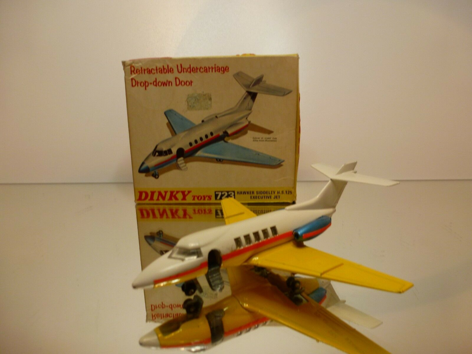 DINKY TOYS 723 HAWKER SIDDELEY H.S.125 - WHITE - VERY GOOD CONDITION IN BOX