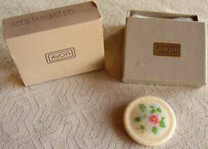 "Vintage 1984 Avon ""SPRING BOUQUET"" Ceramic Lapel/Hat Brooch Pin - NEW!"