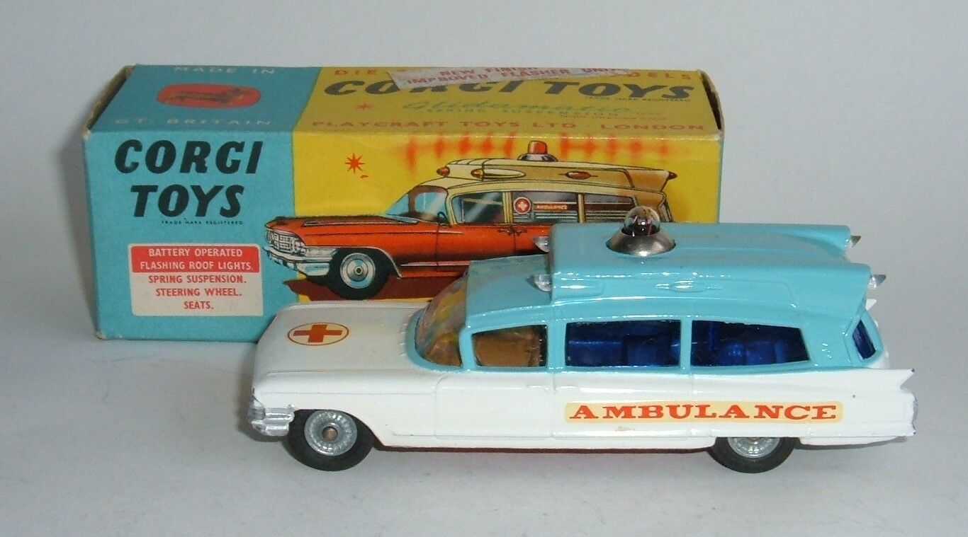 Corgi Toys Nº 437, ambulancia superior en chasis Cadillac-casi Nuevo Excelente.