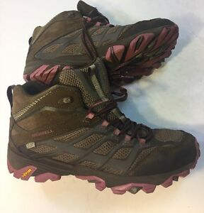 4a979ae161 Merrell Women's Boulder Moab FST Mid Waterproof Hiking Boot U.S. 9M ...