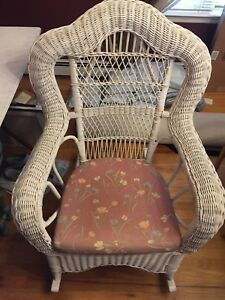 Peachy Details About Vintage Large White Wicker Rocking Chair Pick Up Long Island Ny Liny Dailytribune Chair Design For Home Dailytribuneorg