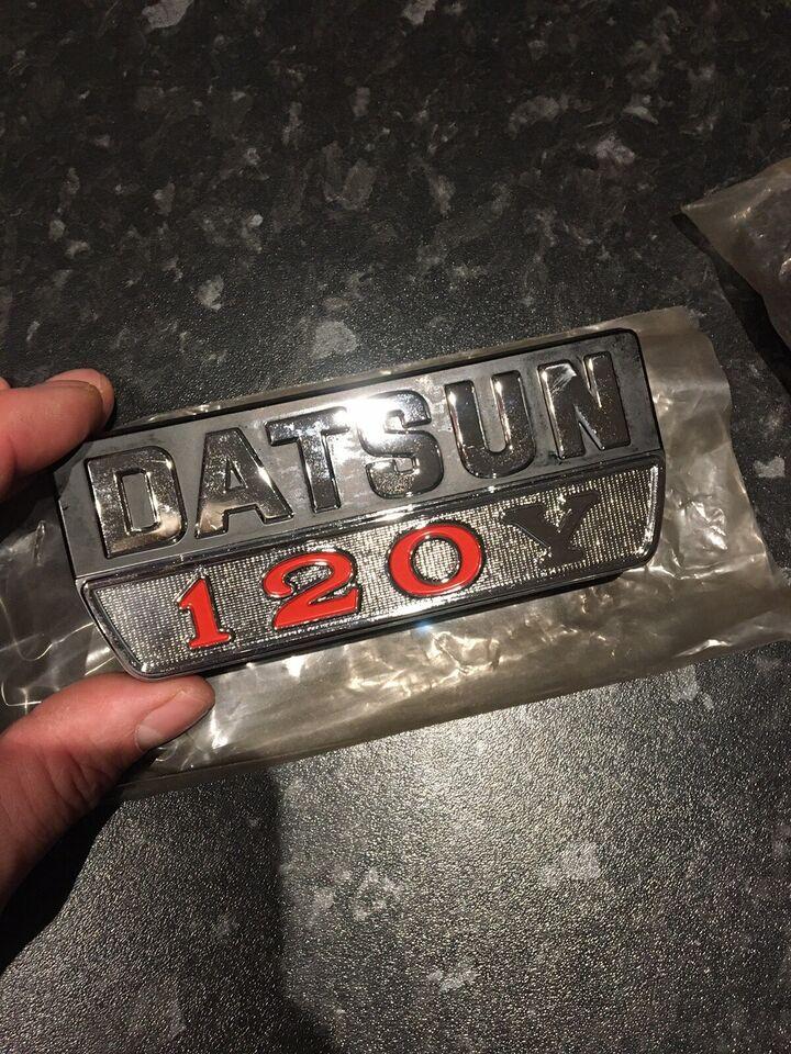Emblem, Datsun
