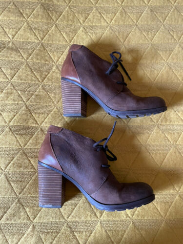 Tommy Hilfiger Rare Brown Suede Wedges Shoes Heel… - image 1