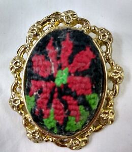 Vintage-Christmas-Brooch-Tapestry-Needlework-POINSETTIA-Gold-Tone-Pin