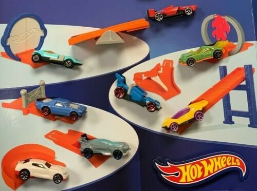 FREE SHIPPING McDonalds 2019 COMPLETE SET OF 8 HOT WHEELS