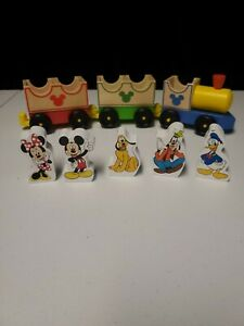 Melissa-amp-Doug-Disney-Mickey-Mouse-amp-Friends-All-Aboard-Wooden-Train-Set