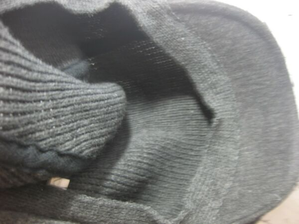 a14efea5cf0 NWT Van Heusen one size fits all 100% acrylic ivy cap GREY OR BLACK. Hover  to zoom