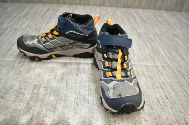 Merrell Moab FST Low A//C Waterproof Sneaker Big Kid 4 Grey//Coral