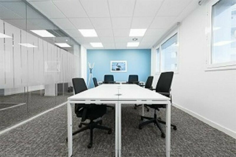 4 Desk private office available at Pharos House