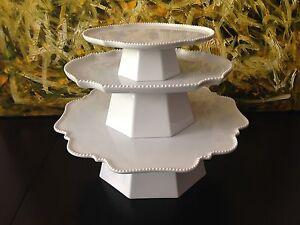 Reichenbach-bouton-en-blanc-Design-Paola-Navone-Noble-Etagere-3-pieces