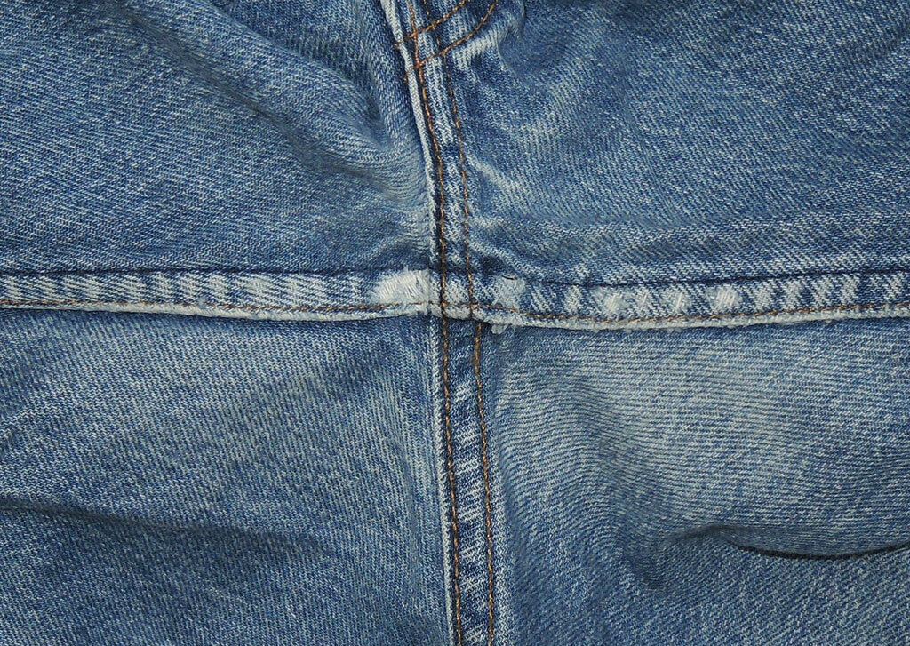 Vtg 90s Levi's 501 Jeans Made In USA Faded 32.5x2… - image 7