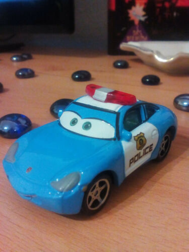 Disney Pixar Cars Polizei Sally 3299 EAA Maßstab 1:55 Metall