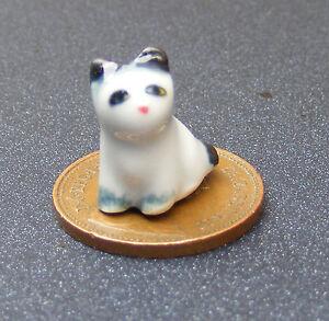 1:12 échelle Maison De Poupées Blanc Chaton-chat Avec Un à Rayures Noir Queue Ornement Zq-afficher Le Titre D'origine