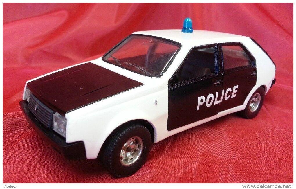 BURAGO 1 24 cod. 0139 - RENAULT 14 TL - POLICE