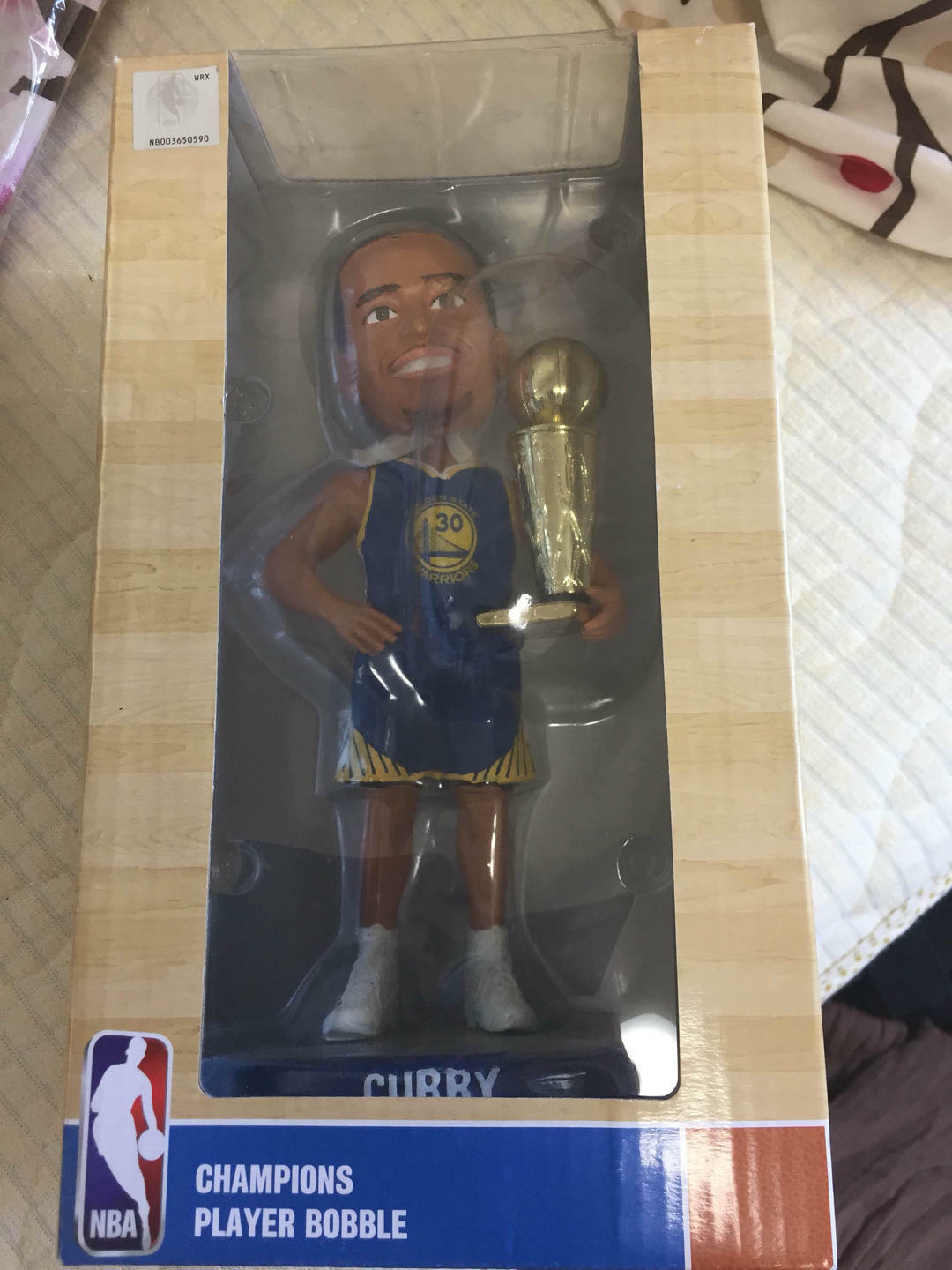Forever Collection NBA CURRY CHAMPION Players bobble head with Tracking