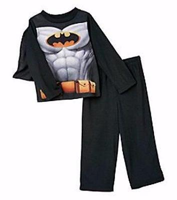 BATMAN BOYS BLACK//YELLOW//GRAY SHIRT//PANTS /& CAPE PAJAMA 3 Pc PJS Set 7 NWT