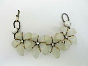 Large-Plastic-Translucent-3D-Flowers-BRACELET-Vintage-EUC-Rhinestone-Center