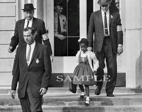 1960 RUBY BRIDGES Fed Protection  New Orleans School CIVIL RIGHTS PHOTO 166-C