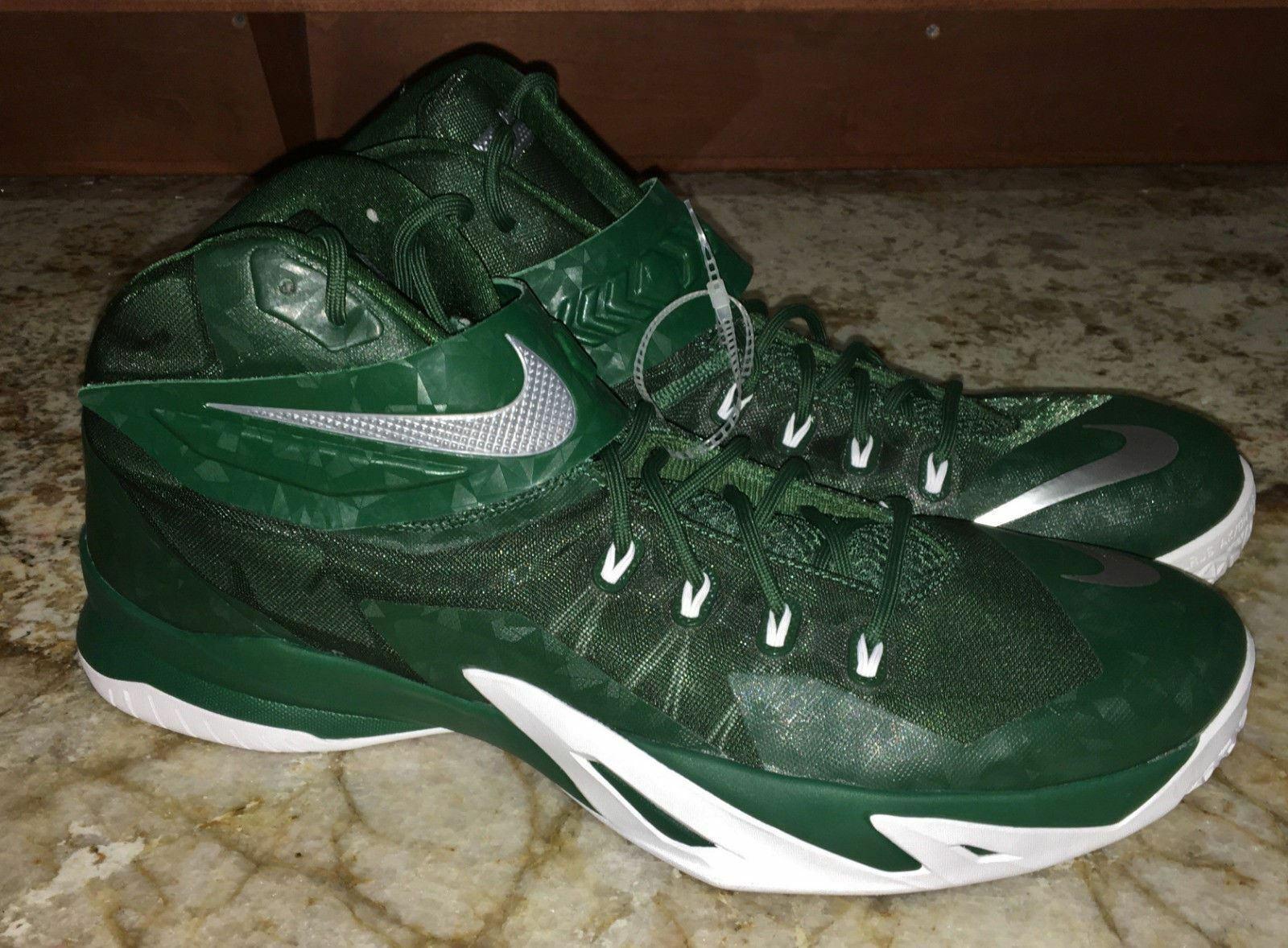 3ea5b2ed733dc NIKE LeBron Zoom Soldier VIII Basketball Basketball Basketball Shoes Gorge Green  NEW Mens 15.5 15 1