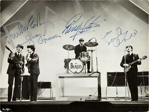 THE-BEATLES-SIGNED-10X8-PHOTO-GREAT-CLASSIC-IMAGE-LOOKS-GREAT-FRAMED
