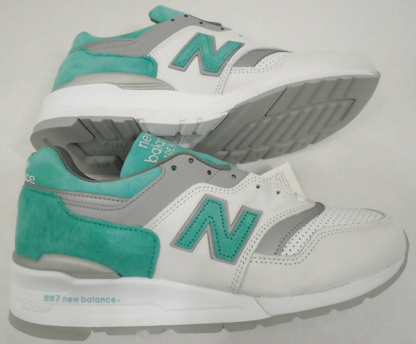 NEW NB New Balance Mens 10.5 Suede 997 Retro Running Shoes Mint M997CMA USA Made