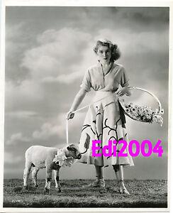 JANET-LEIGH-Vintage-Original-Photo-ERNEST-BACHRACH-LinenBack-Poodle-Skirt-amp-Lamb
