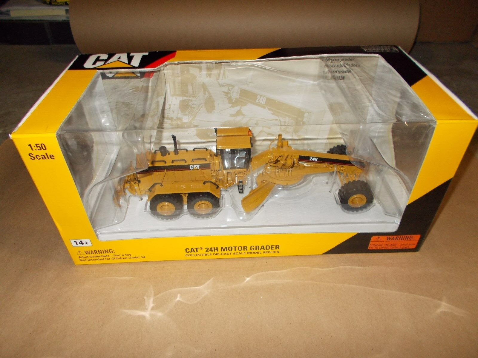 Norscot Cat 24H Motor Grader 1 50 scale Cat New Norscot 55133