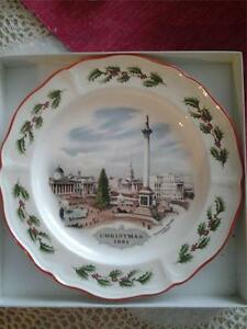 WEDGWOOD-CHRISTMAS-1981-PLATE-TRAFALGAR-SQUARE-LONDON-MINT-IN-BOX