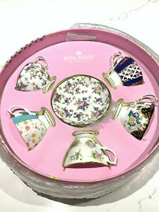 Royal-Albert-100-YEARS-1900-1940-5-PIECE-TEACUP-amp-SAUCERS-SET-New-Sealed-Box
