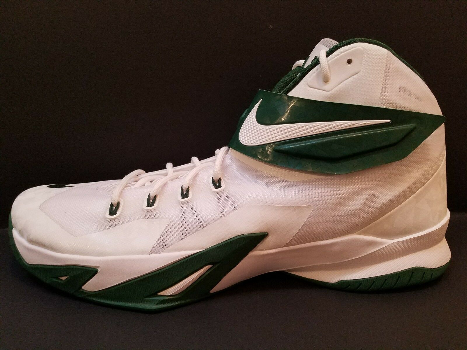 Nike Lebron James Nike Zoom Soldier Soldier Soldier Vlll Mens Green White 685780-130 Sz 17 d5696a