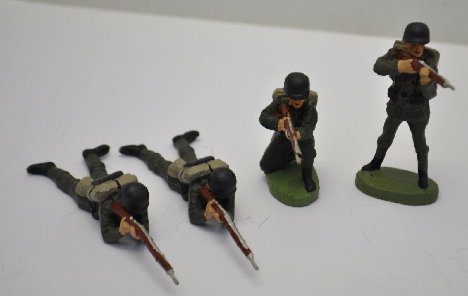 4 Old Elastolin Germany Soldier Rifle Shooting Figures Kneeling lying Standing