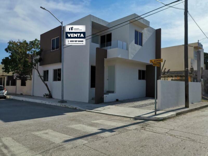 Casa en Venta Col. Laguna de la Puerta en Tampico   833  :   137  : 0065