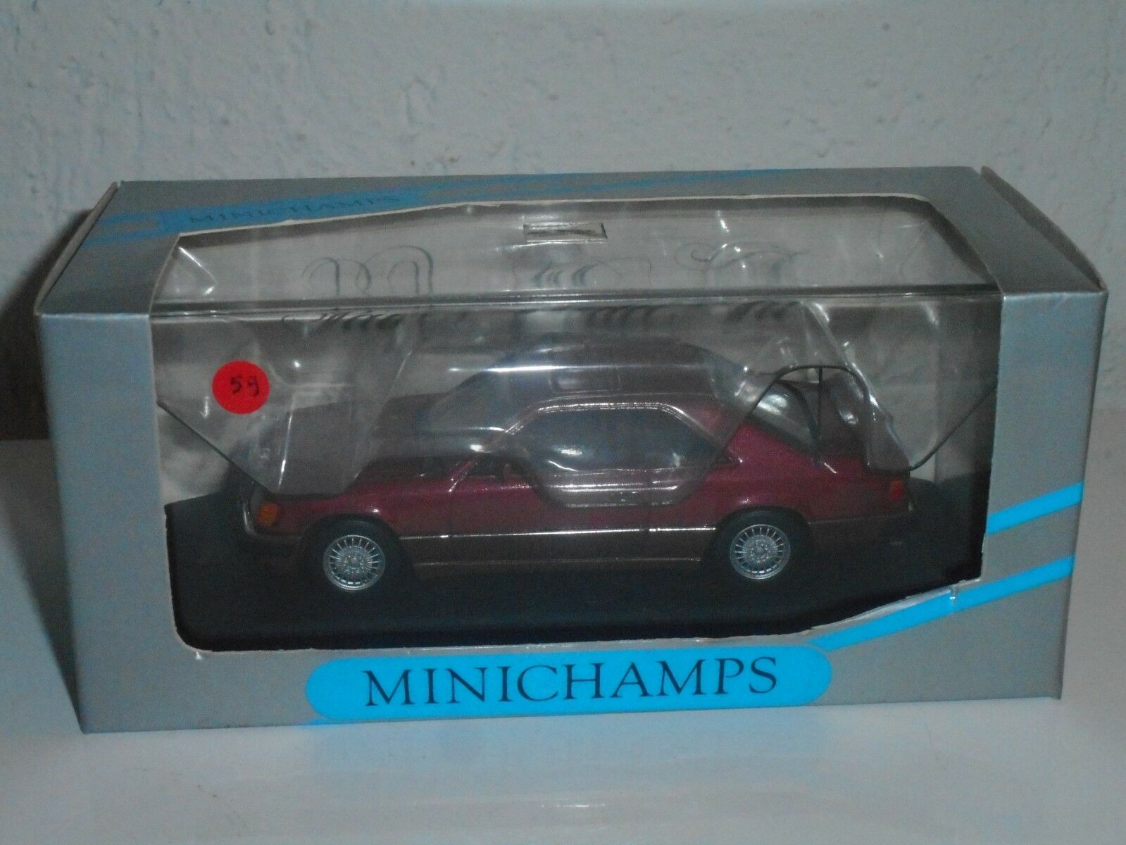 MINICHAMPS  1 43 vintage MERCEDES 300 CE coupé N°59 de 100 mis en vente