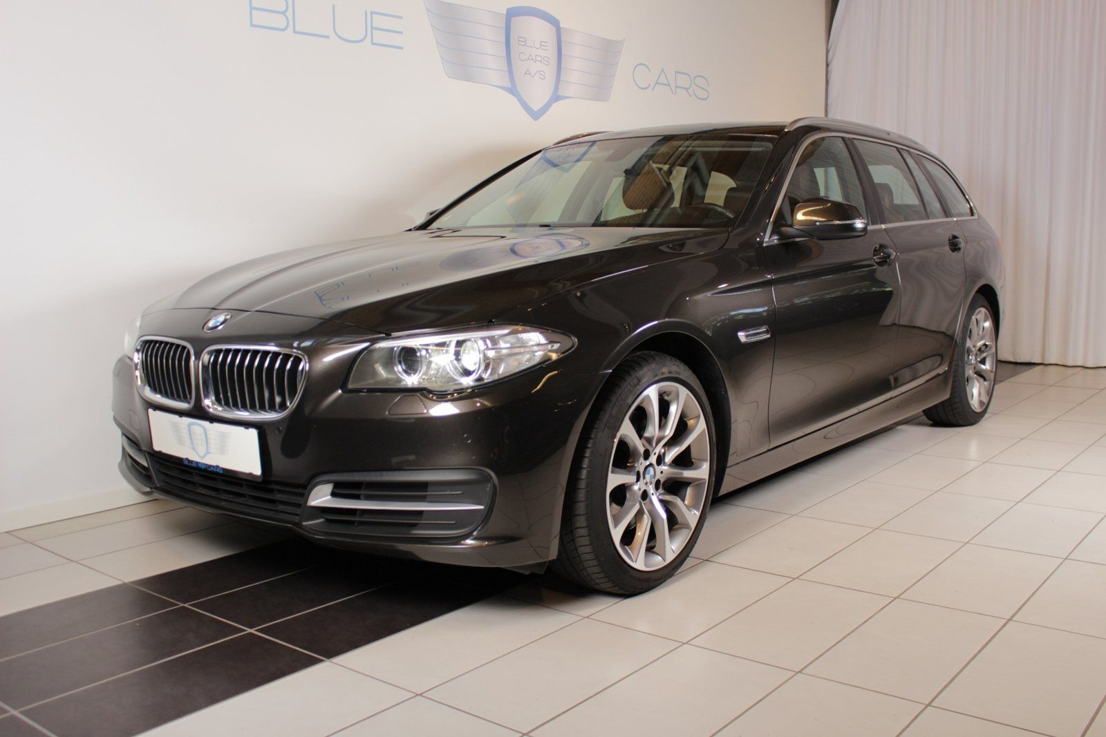 BMW 530d 3,0 Touring aut. 5d - 530.000 kr.