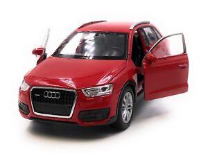 Maquette-de-Voiture-Audi-Q3-Compact-Tous-Terrains-Rouge-Auto-1-3-4-39-Licence