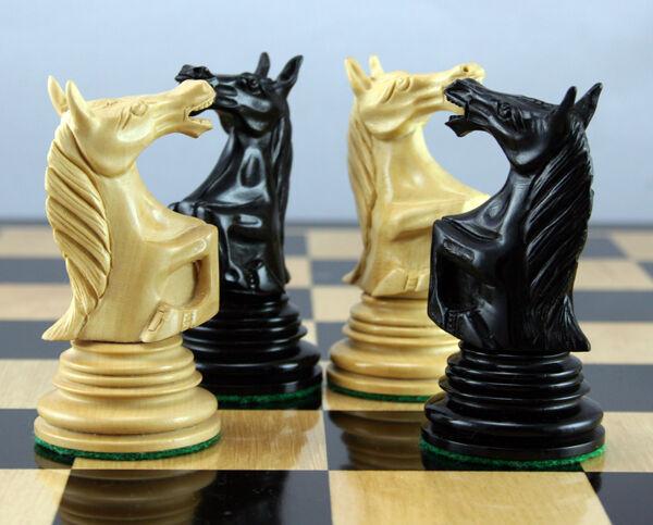 4.25  Roaring Knight Solid Ébène et buis Pièces d'échecs  fine, Belle   369