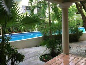 Casa en renta centrica en conjunto con alberca en Cancun