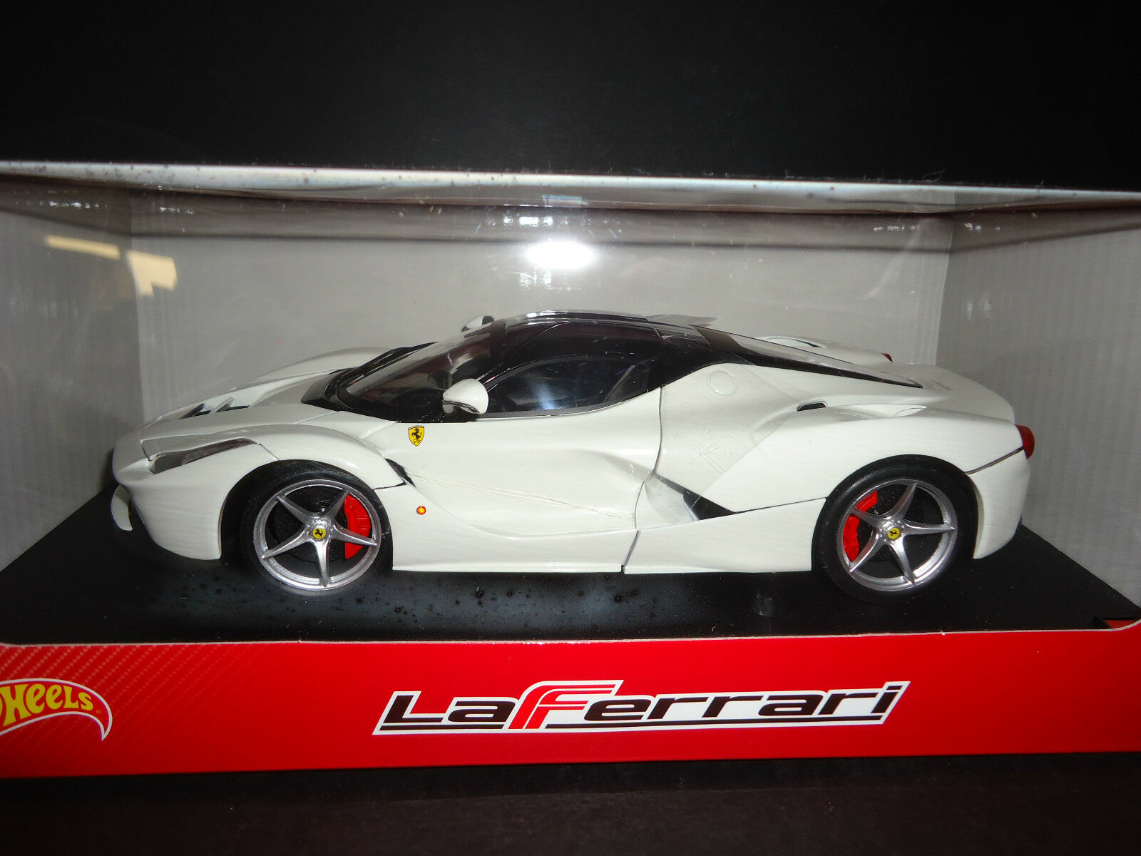 Hot Wheels Ferrari Laferrari 2013 Blanc BLY54 1 18