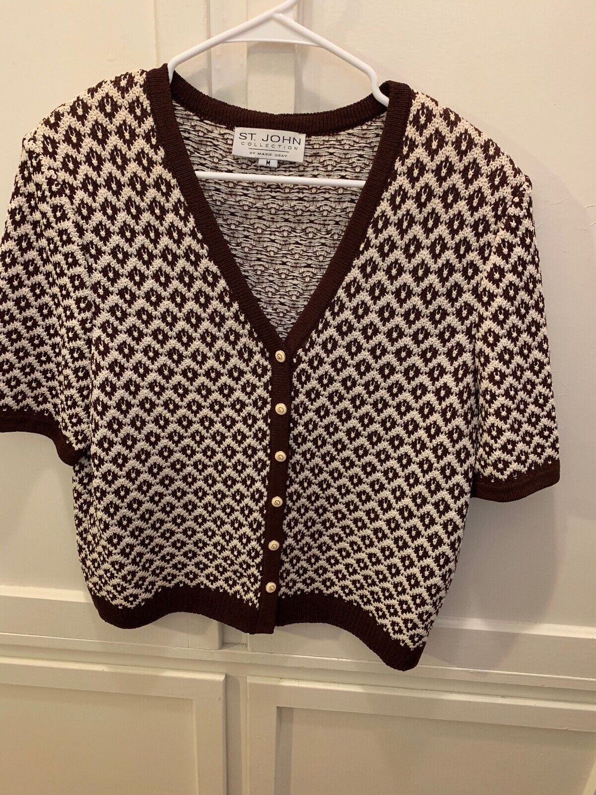 ST. JOHN COLLECTIONS BROWN WHITE KNIT SHORT SLEEVE SWEATER TOP SZ M SHOULDER PAD