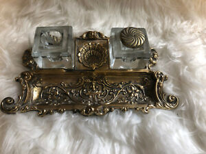 VIRGINIA-METALCRAFTERS-BRASS-DESK-DOUBLE-INKWELL-Rare