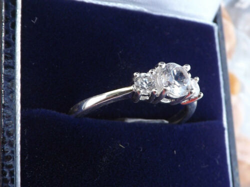 Ladies Sterling Silver Trilogy Ring Size O
