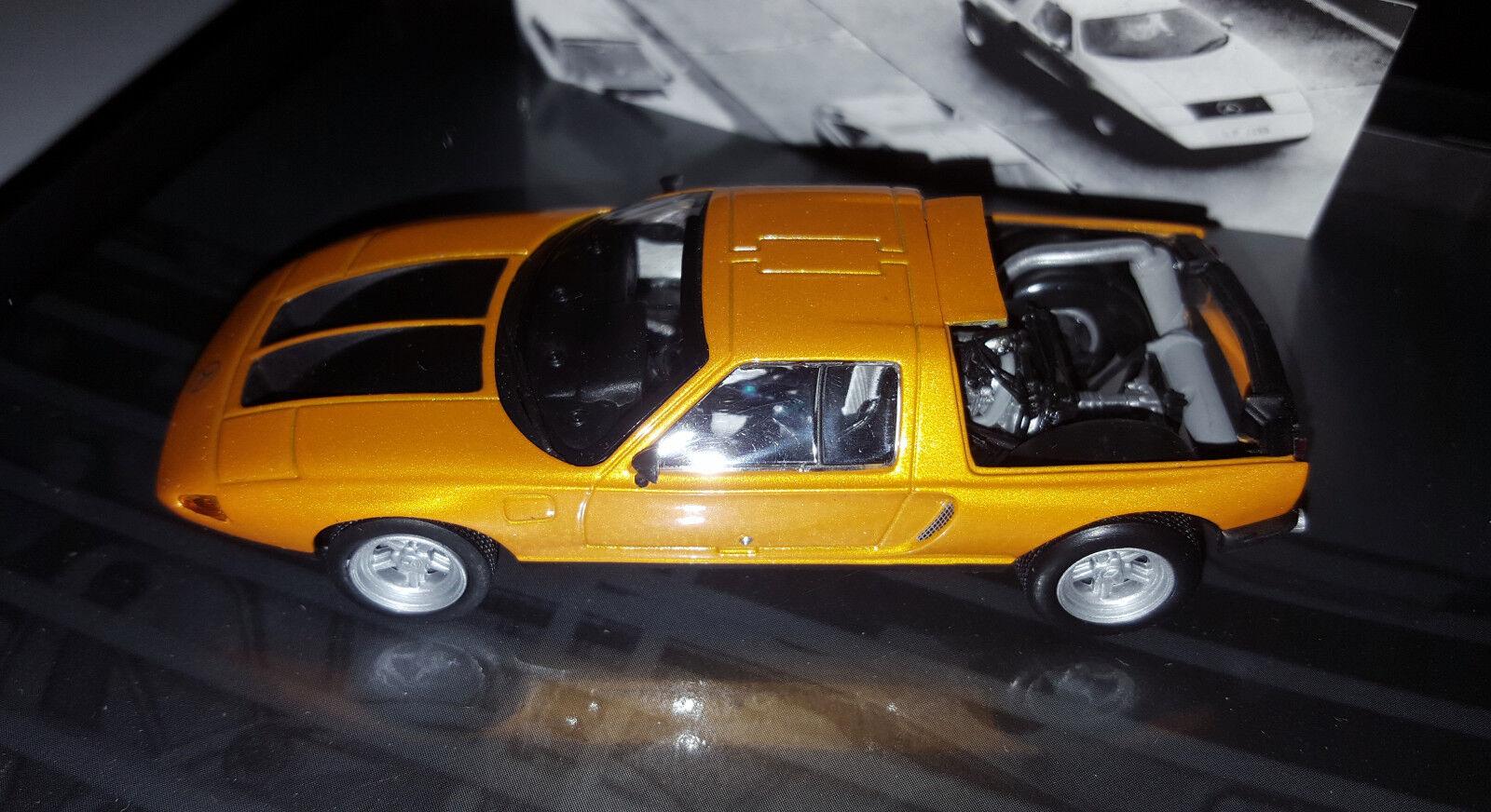 Minichamps  43 1970 Mercedes Benz C111 II in Presentation Box   9999