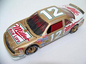 Bobby-Allison-Revell-12-Miller-High-Life-039-88-Buick-Custom-Made-Winston-Diecast