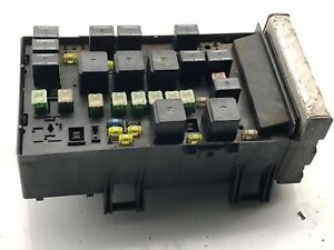 2003 Dodge Caravan Town & Country Integrated Fuse Box Relay Module  04727556AC | eBayeBay