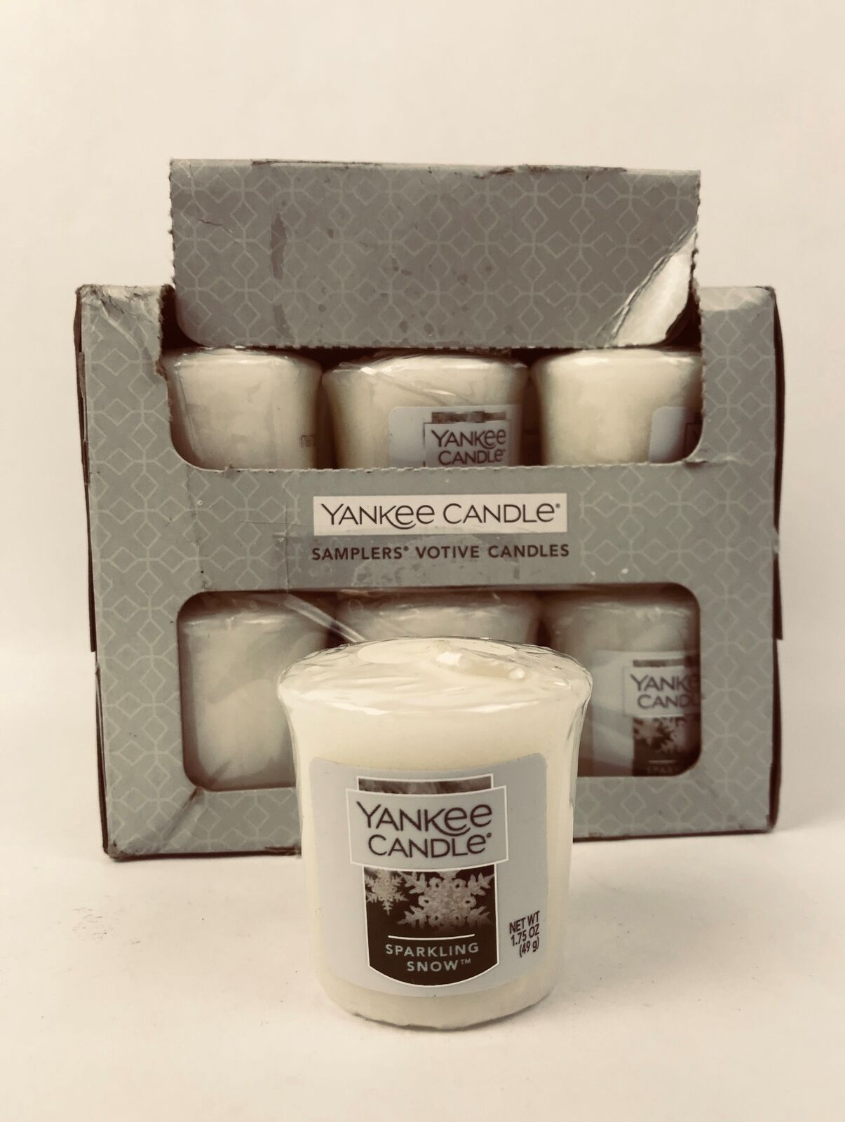 """Yankee Candle Votive Candles /""""Sparkling Snow/"""" 1.75 oz Set of 2 New"""