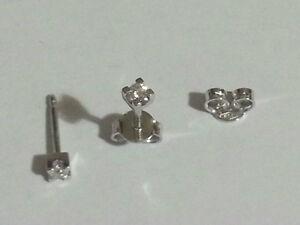 Orecchini-Punto-Luce-in-oro-18-Kt-e-diamanti-naturali-0-10-ct-prezzo-imbattibile