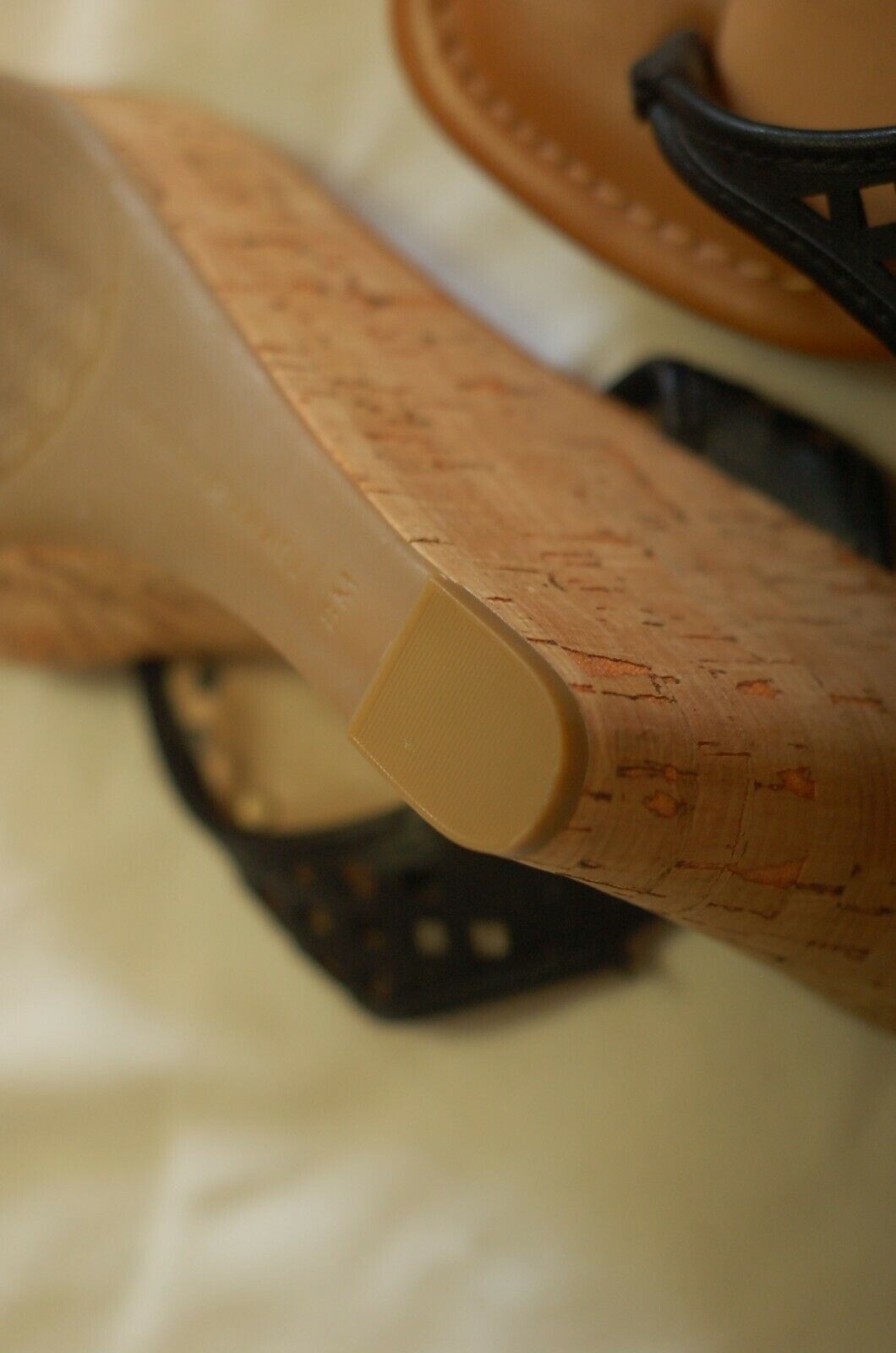 Tommy Hilfiger Black Leather Thong Sandals Cork W… - image 9
